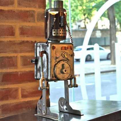 Robot lamp recycling