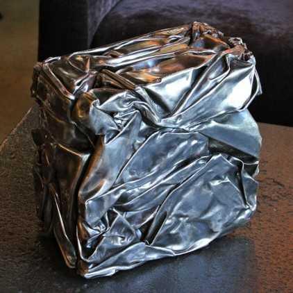 Metal compression in the Cesar spirit